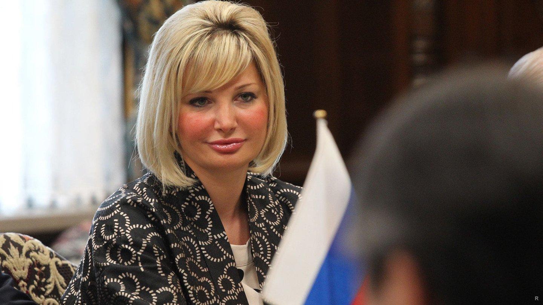 акрил применялся фото депутата марии максаковой только гигантское