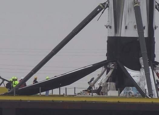 В США показали транспортировку отработанной ступени ракеты Falcon 9 (видео)