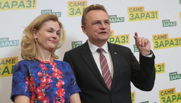 Мэр Львова, во время пандемии, списал 160 тыс. грн из бюджета на исследование своего рейтинга