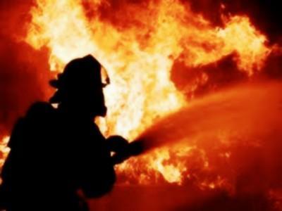 В Луганске начался масштабный пожар (видео)