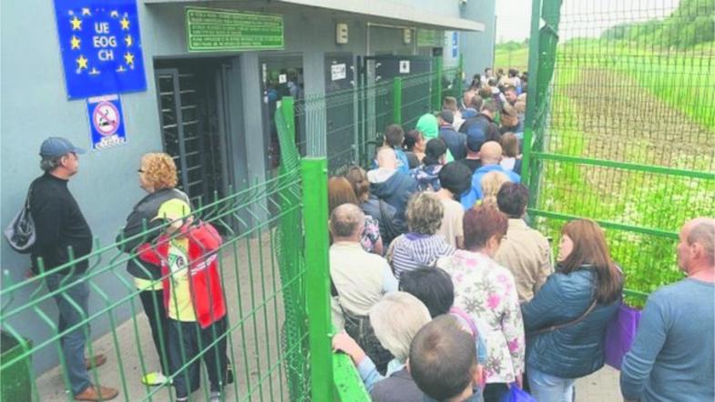 Каждый пятый — уже за границей: Сколько украинцев покинули страну за 5 лет